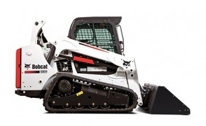 SKID-STEER-2200LB-CAPACITY-66HP-TRACK